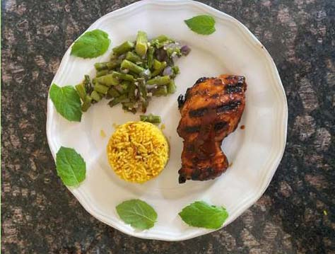 Honey-BBQ-Chicken with Yellow-Rice